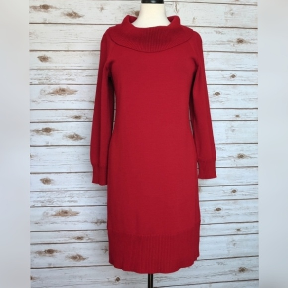 Kim Rogers Dresses & Skirts - Kim Rogers vowel neck red sweater dress Med
